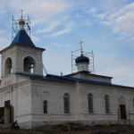 На Покровский храма с. Ново-Еделево подняты купола и кресты